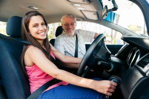 Belajar Nyetir Mobil Manual dan Matic Agar Tidak Gugup Dijalan